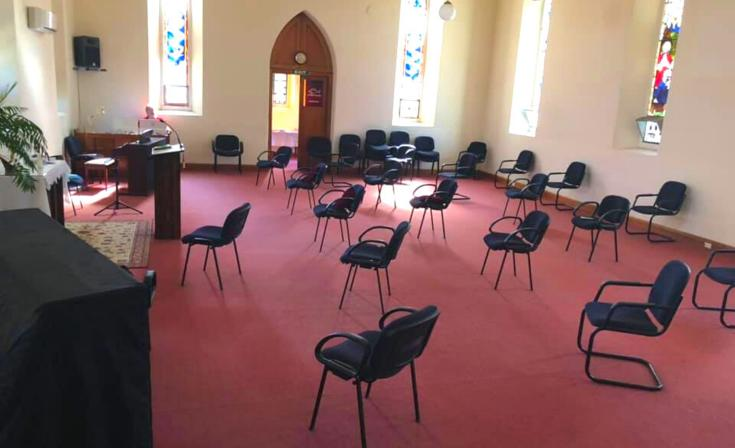 Maitland Uniting Church practising social distancing (Ann Phillips)